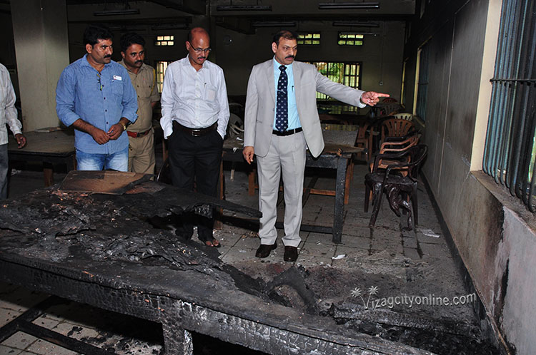 Furniture gutted in Andhra University reading room
